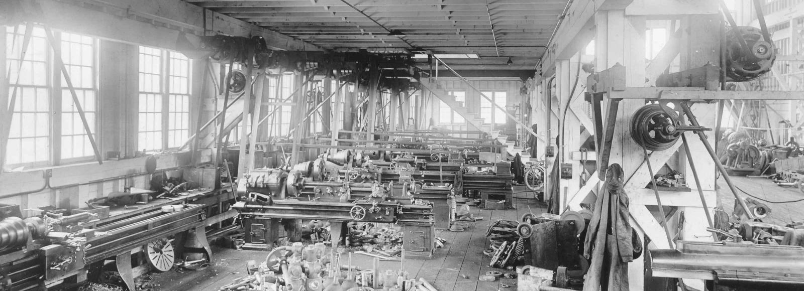 Hesse-Ersted-Iron-Works_machine_shop